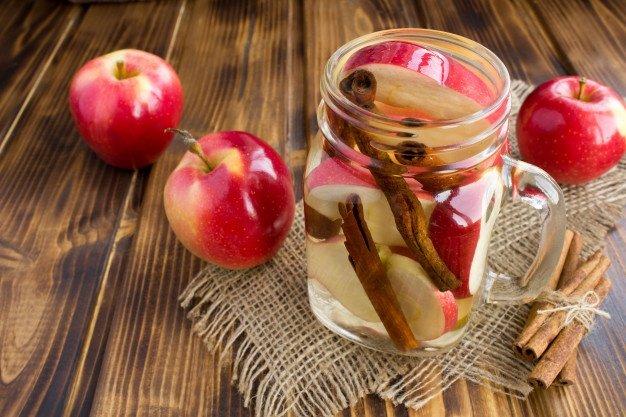 infused water untuk diet apel.jpg