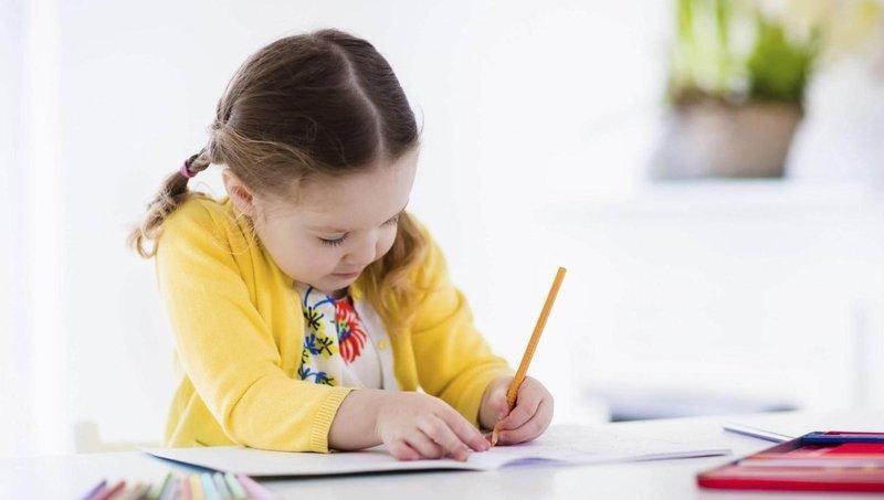 ingin anak berprestasi di sekolah ajarkan dulu 5 kebiasaan belajar yang baik ini 2