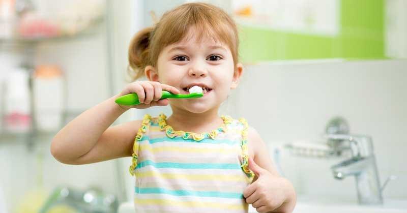 ini usia yang tepat untuk anak memakai odol saat sikat gigi 1