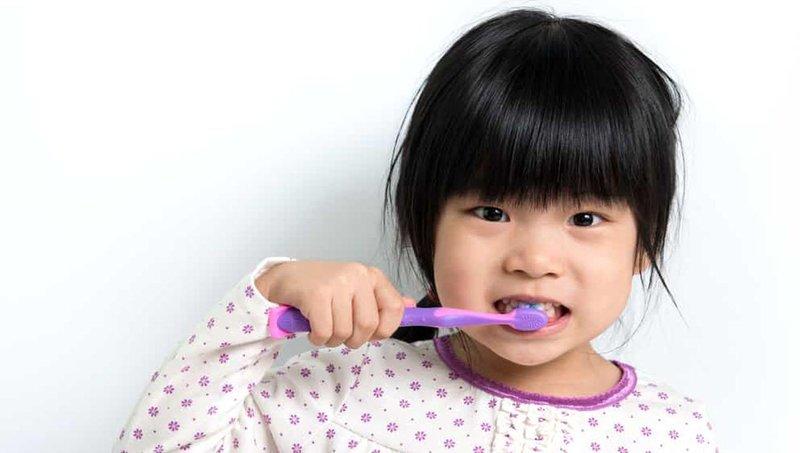 ini yang bisa moms lakukan saat gigi susu anak mulai tanggal 3