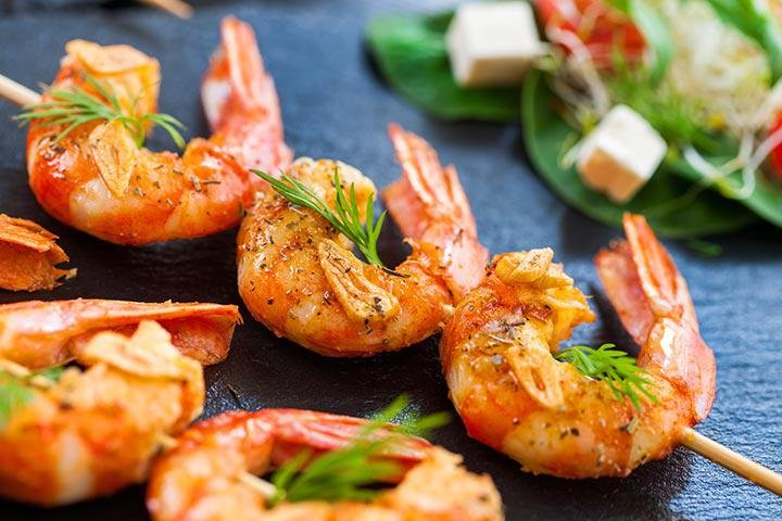 is it safe to eat shrimp when breastfeeding