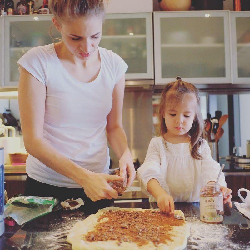 istri yang hobi memasak