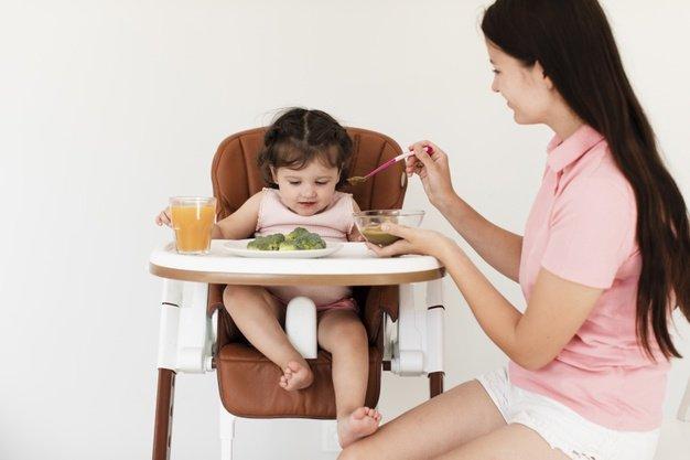 jadwal makan bayi 9 bulan porsi makan.jpg