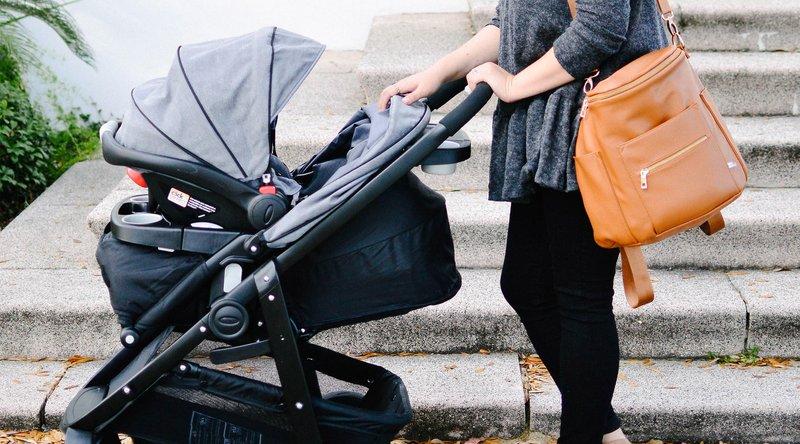 jalan-jalan bersama bayi-2.jpg