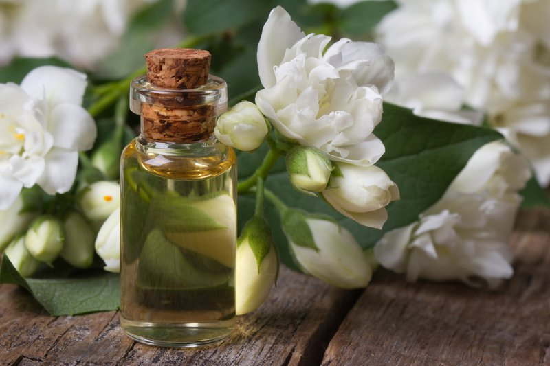jasmine-essential-oil.jpg