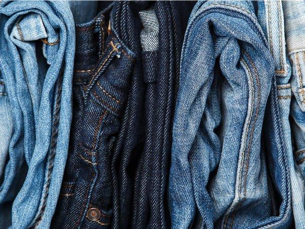 Cara Menghitamkan Celana Jeans