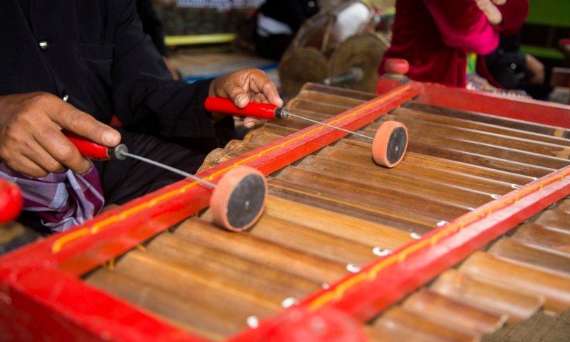 alat musik calung