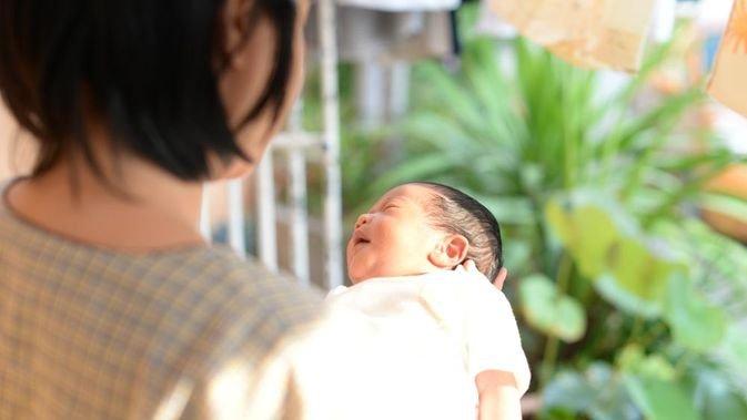 bayi bisa mendapatkan vitamin D dari paparan sinar matahari