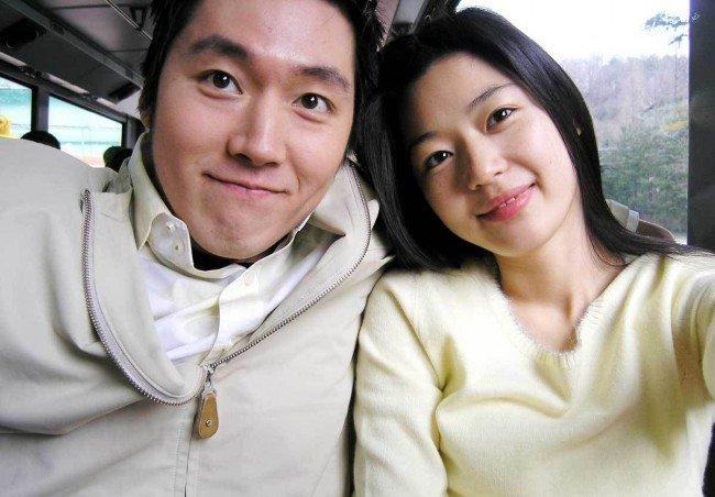 jun-ji-hyun-and-husband-choi-joon-hyuk.jpg