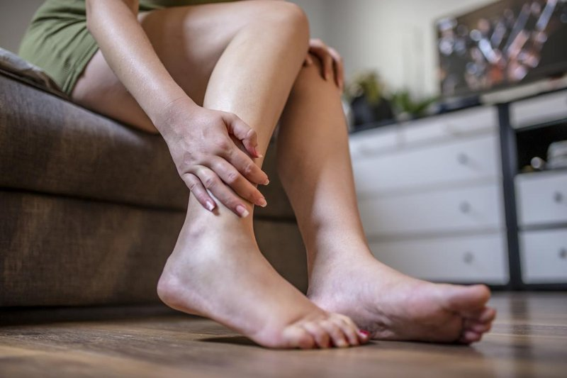 kaki bengkak setelah melahirkan.jpg