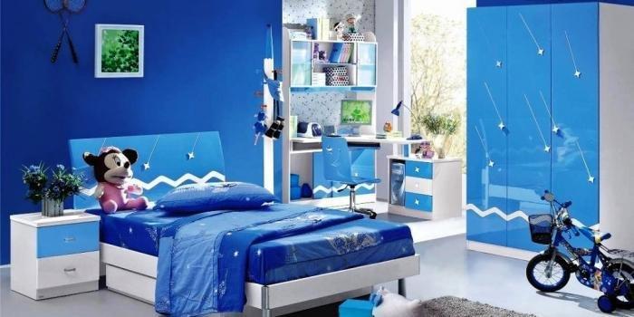 kamar tidur biru