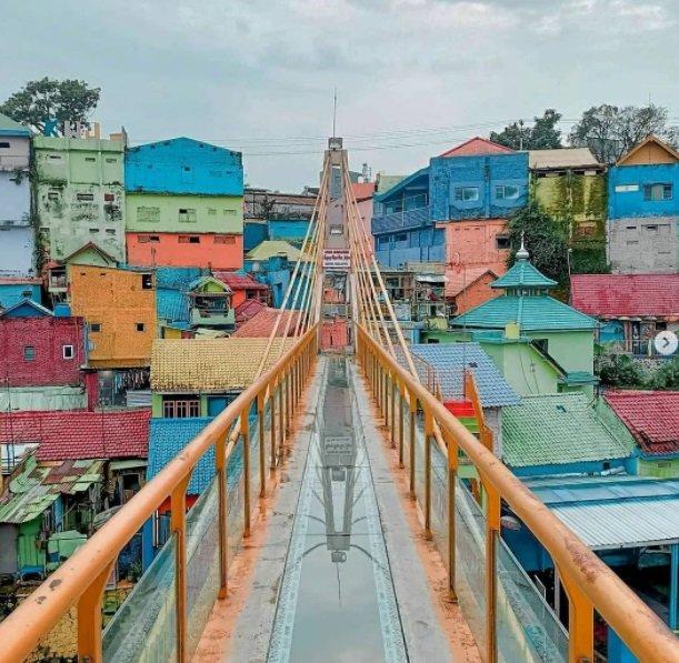 kampung warna warni jodipan.jpg