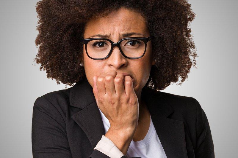 kenapa orang menggigit bibir ketika gugup 2.png