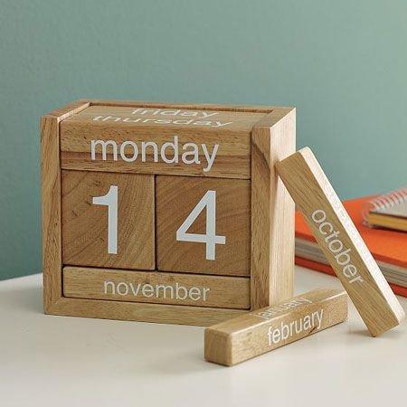 kerajinan kayu kalender.jpg