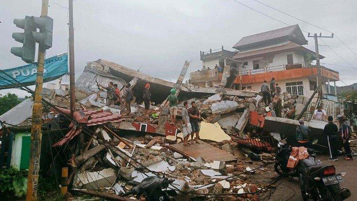 kerusakan-akibat-gempa-di-majene-sulawesi-barat-3_169 detikcom.jpeg