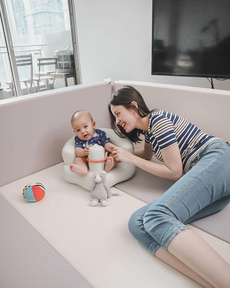 artis yang ditemani bayi puasa