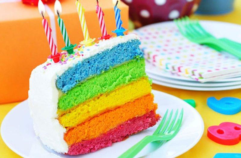 Открытка с радугой в день рождения