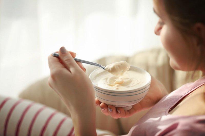 kulit kering saat hamil-konsumsi yogurt.jpg