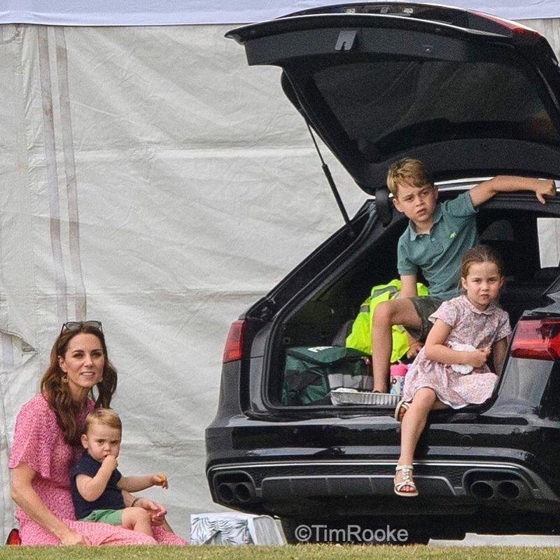 kumpul keluarga kerajaan-5.jpg