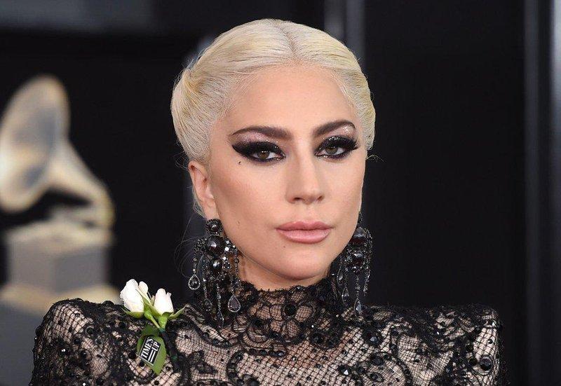 lady gaga hair makeup grammys 2018