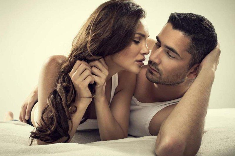 lakukan 5 hal tak terduga saat seks agar semakin romantis 01