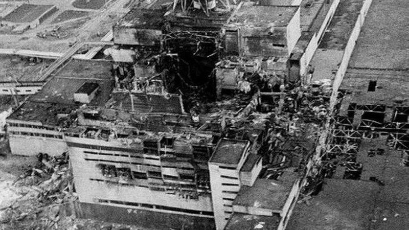 ledakan chernobyl-2.jpg
