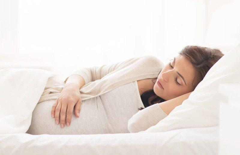 left side pregnancy sleep 1