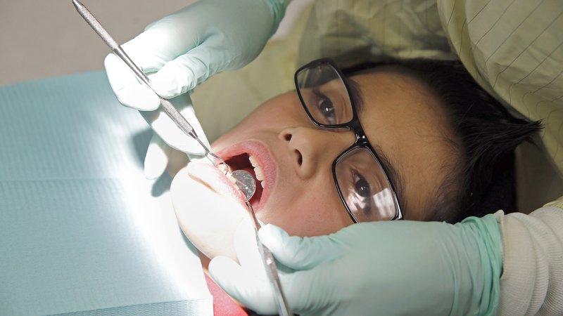 operasi gigi bungsu