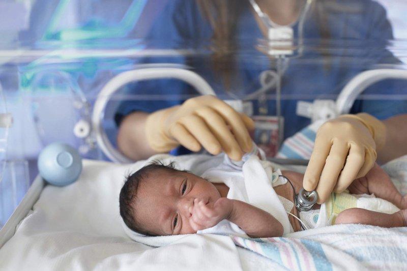 mengobati hernia pada bayi