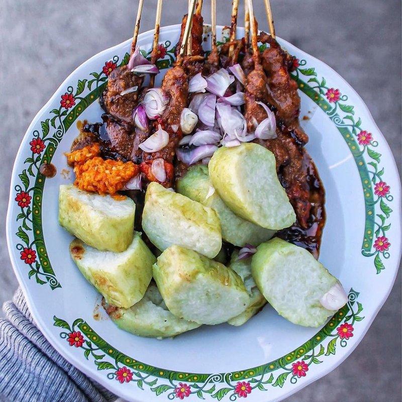 makanan khas madura-sate madura.jpg