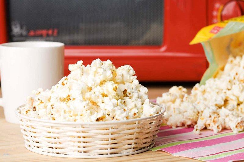 popcorn yang dimicrowave harus dihindari