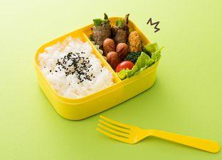 4 Makanan yang Harus Dihindari Pada Menu Bekal Sekolah Anak