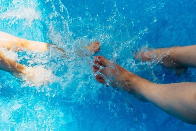 mandi sebelum berenang