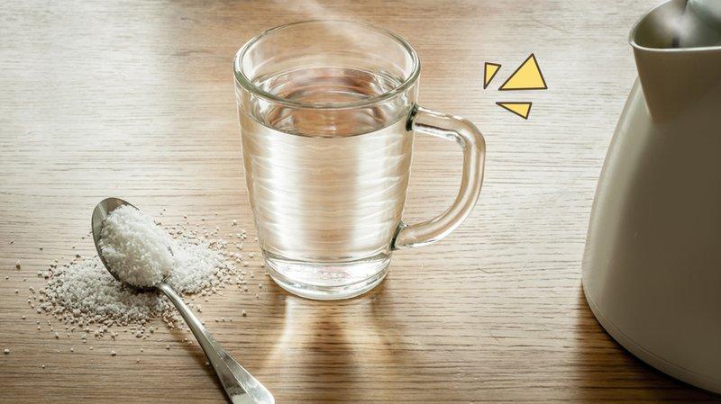 manfaat-air-garam-untuk-gusi-bengkak.jpg