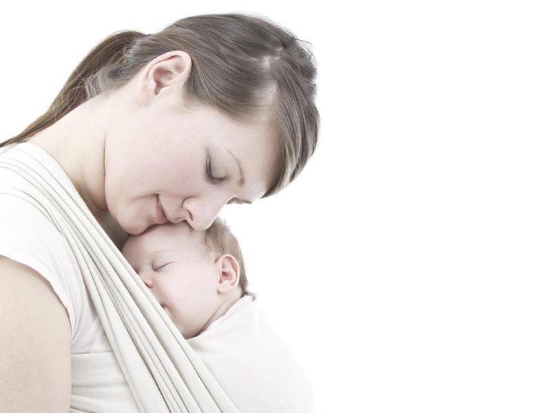 manfaat gendong bayi