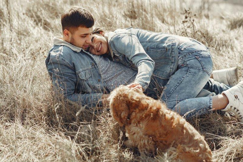 manfaat pelukan dengan suami 2.jpeg