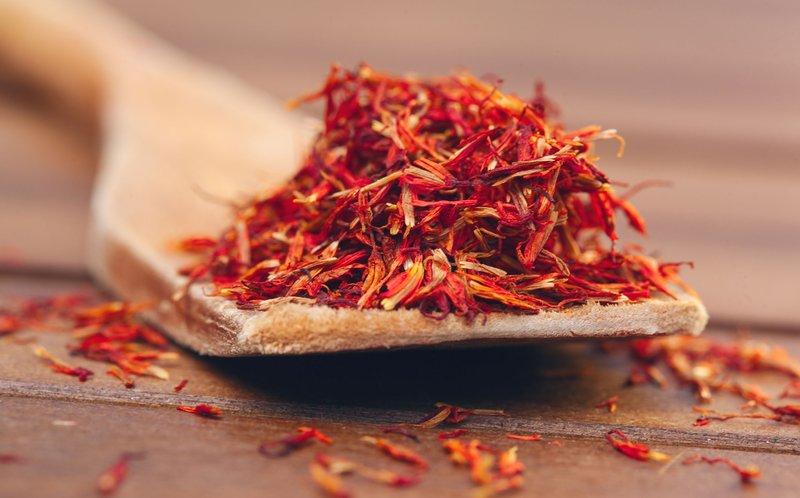 makanan pelancar haid: saffron