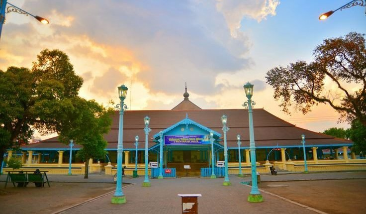 masjid agung surakarta.jpg