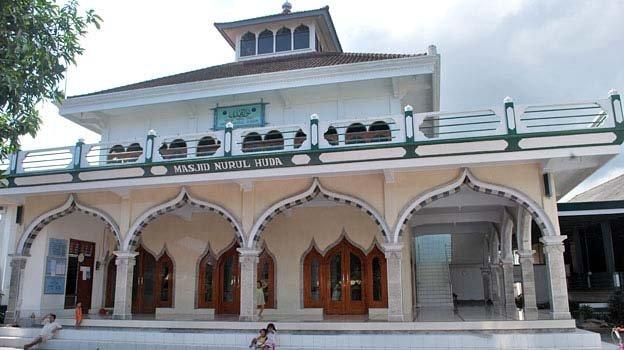 masjid nurul huda klungkung.jpg