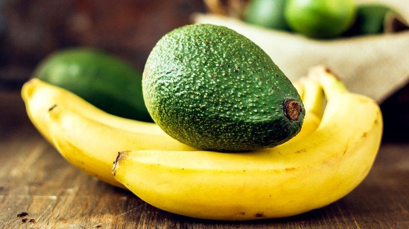masker wajah alami 3 - alpukat pisang