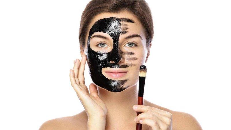 masker wajah alami dari arang untuk kulit kombinasi