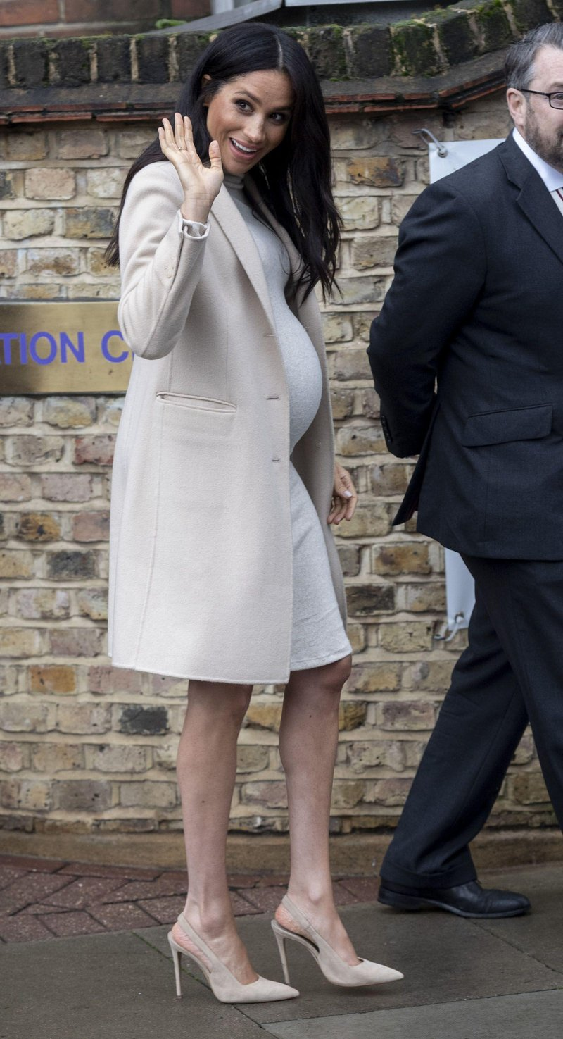 meghan duchess of sussex visits animal welfare charity news photo 1083227944 1547650761