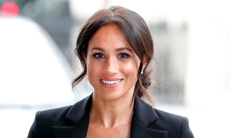 meghan-markle-black-suit-t.jpg