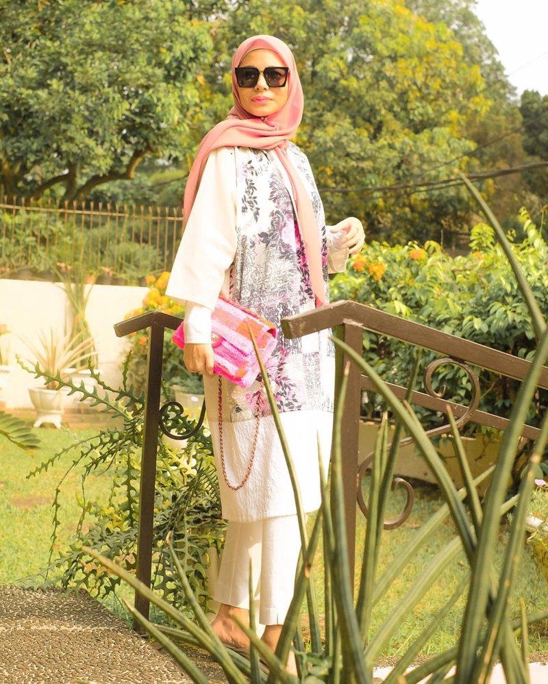 meisya siregar hijab-1.jpg