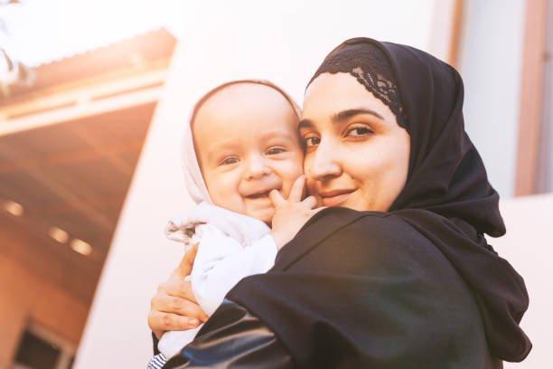 memeluk anak dalam islam.jpg