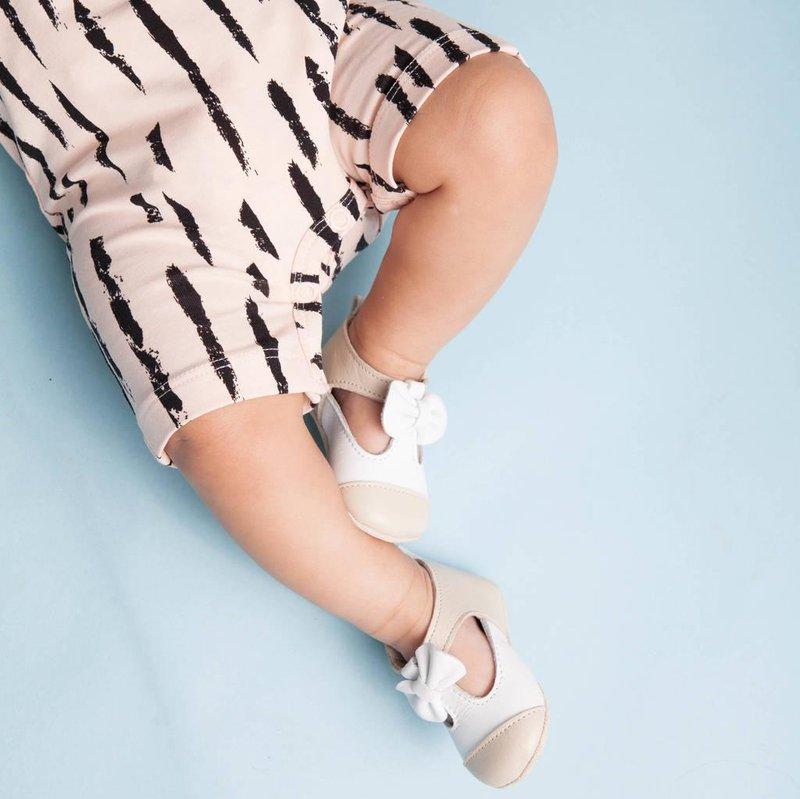 memilih sepatu bayi 1
