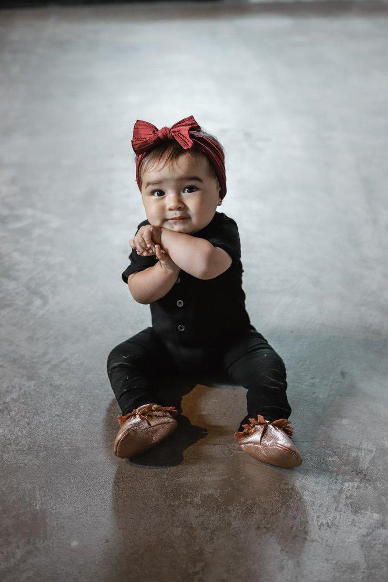 memilih sepatu bayi 3