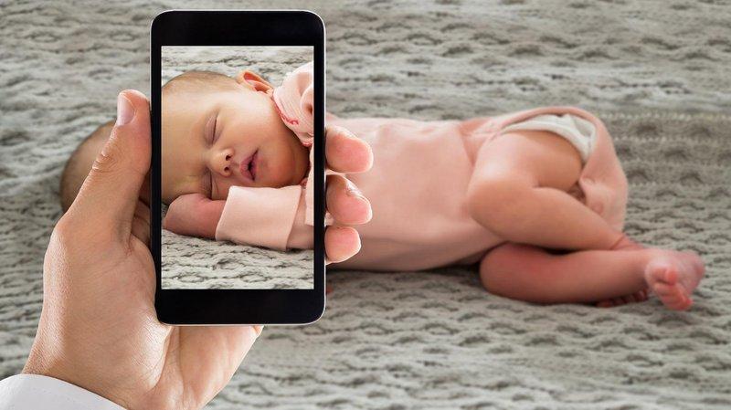 memotret bayi