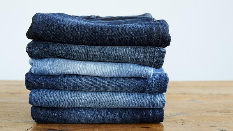 mencuci jeans.jpg