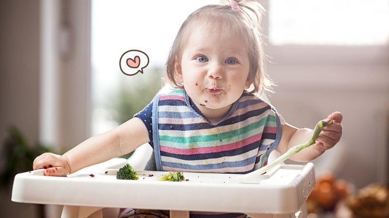 5 Cara Mengajarkan Bayi Makan Sendiri, Mudah!